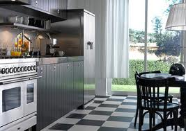 Black & white ceramic kitchen tiles