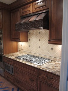 traditional-kitchen-hoods-and-vents[1]